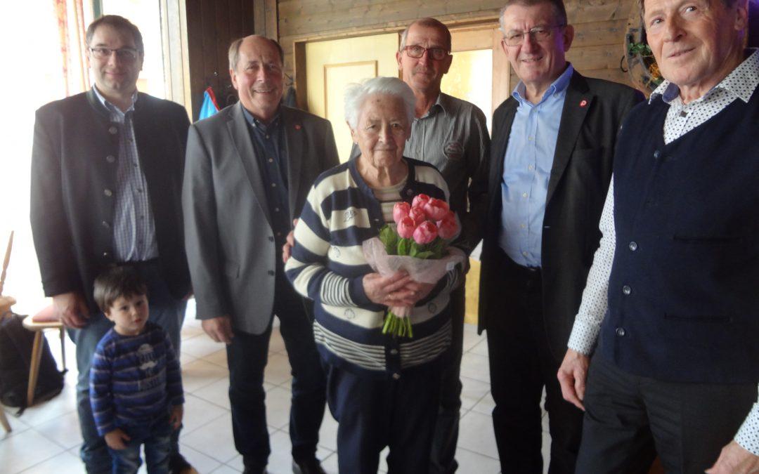 Freitag, 09. März Jahreshauptversammlung unseres Pensionistenverbandes 14:00 Uhr beim Musikantenwirt. Im Beitragsbild Barbara Buchegger 49 Jahre Mitglied unserer Ortsgruppe
